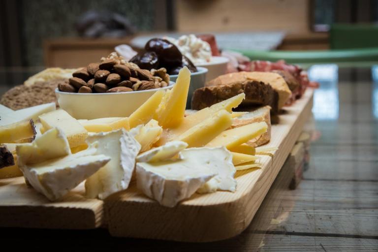 latteria-perenzin-degustazione-formaggi-vivovenetia-vespa