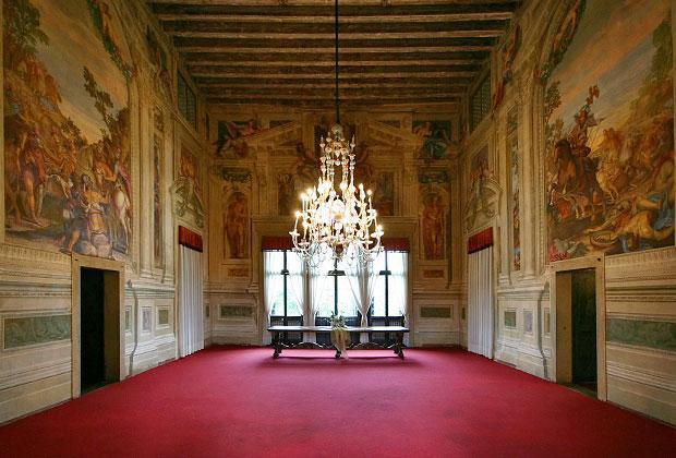 Venetian Villas: the interior of Villa Godi Malinverni