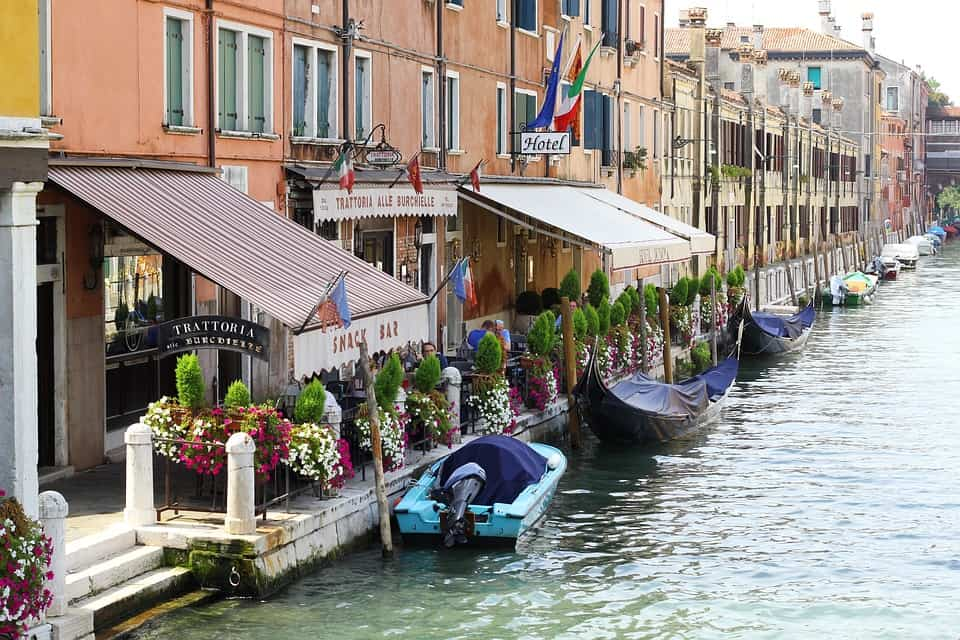 Unusual things to do in Venice: the gourmet path