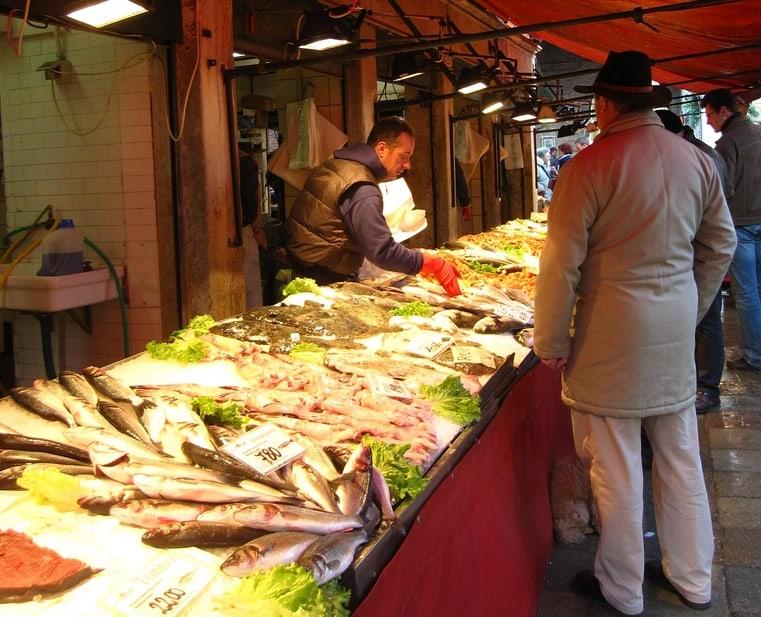 Attrazioni di Venezia: Mercato di Rialto. Photo Credit: Kate Hopkins