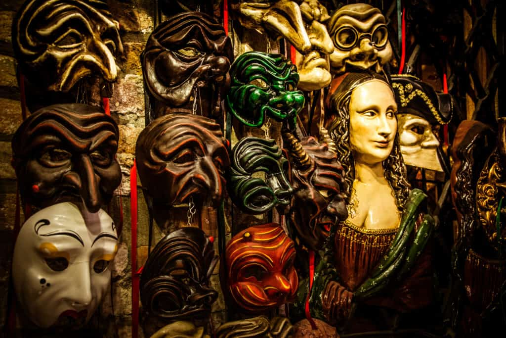 Storia delle maschere: un moderno atelier