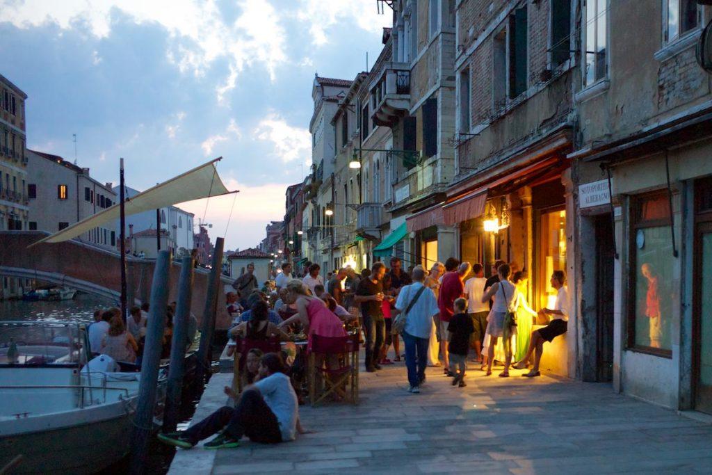 Geführte Tour der bacari: Venedig bei Sonnenuntergang! Erleben Sie den Aperitif wie ein Venezianer
