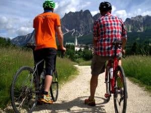 Venetien Sehenswürdigkeiten eintdecken beim Sport treiben : Rad Tour in den Dolomiten