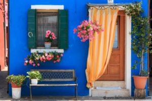 Punta sabbioni murano casa colorata